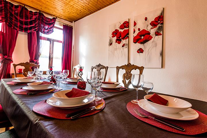 Dinningroom_05.jpg